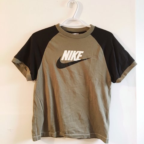 302587035 Olive green and black kids Nike t shirt can fit medium size - Depop