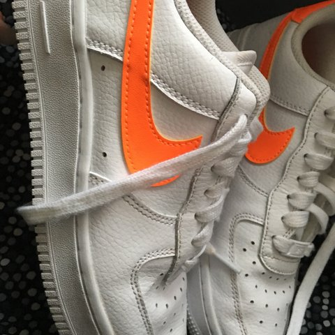 official photos 08c18 79a97 White Nike Air Force 1.- 0