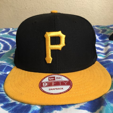 88fb61b707138 New Era Pittsburgh Pirates SnapBack- 9 10 condition- my fave - Depop