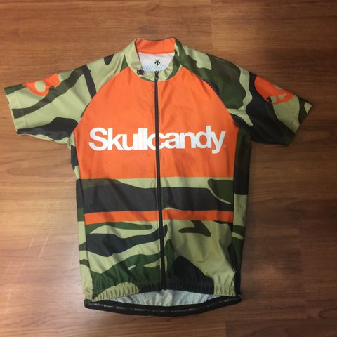 Skullcandy Descente cycling jersey limited edition camo and - Depop 3de9d06d0