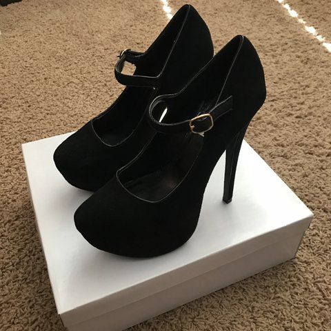 afabe6d89 @xtina6689. 9 months ago. Corona, United States. Steve Madden black suede  heels ...