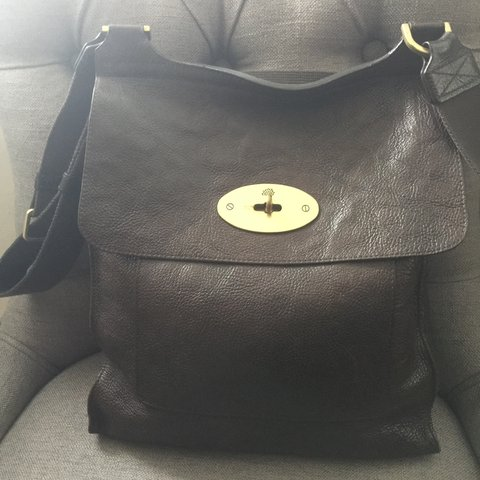 Selling my authentic Mulberry Anthony Messenger Bag in can a - Depop 4230ce3b59fdb
