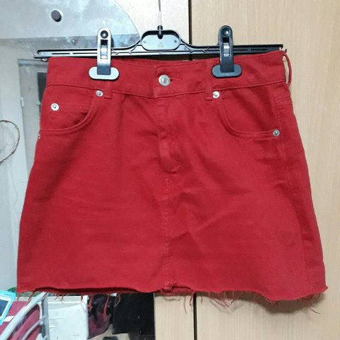 b5eb356777 @groovywitch. last year. Belfast, Belfast, United Kingdom. Red denim mini  skirt from Topshop's Petite range. Size 8 ...