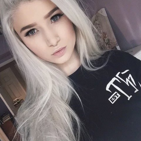 Long hair silver platinum blonde lace front wigs synthetic - Depop