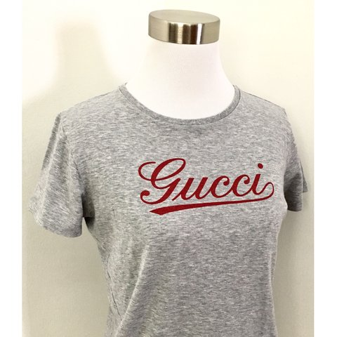 11046d09 100% Authentic Gently Worn Gucci Vintage Style Script GG Tee - Depop
