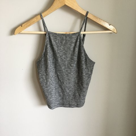 cbbc2a0e2da460 Crop top Comfy to wear Size xs but fits like a small or - Depop