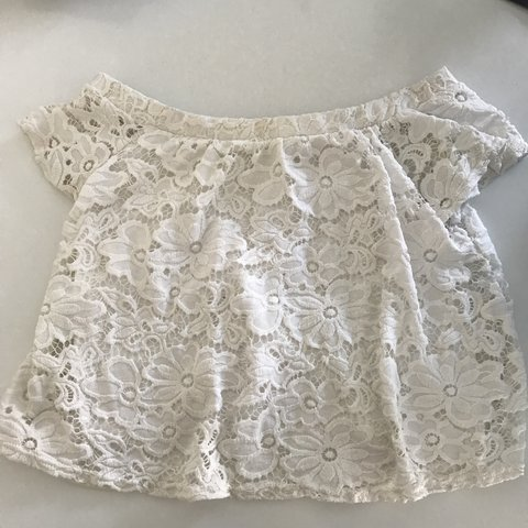 7e8fe8bb8631a6 Off shoulder floral lace top from River Island. Really top. - Depop