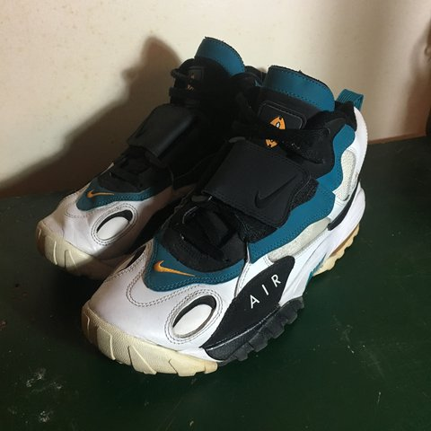separation shoes 28514 a305f  carterloupelle. 2 years ago. Toronto, Canada. Nike Air Max Speed Turf ...
