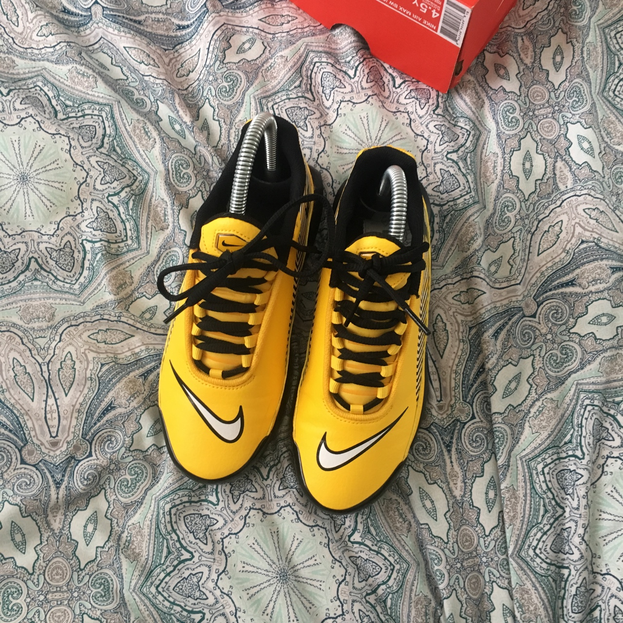 size 40 45c7a 020f5 Nike Tuned 1 Mercurial Yellow and Black, only worn a... - Depop
