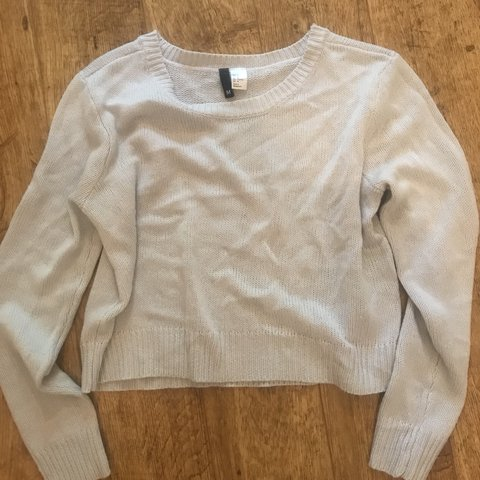 dc7e9d7dad9f8 Cute top jumper from H M only worn once or twice so fab  top - Depop