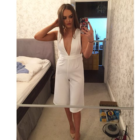 8bc005d6127d Missguided white 3 4 length jumpsuit with low cut back and 8 - Depop