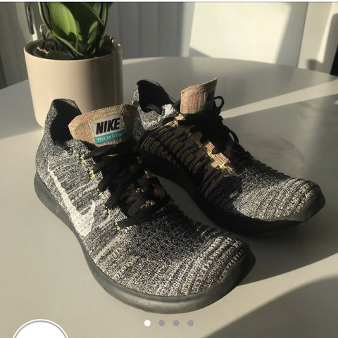 2034339c490a Nike Free Run Flyknit Steal price (RRP £130) Size 9.5 fit - Depop