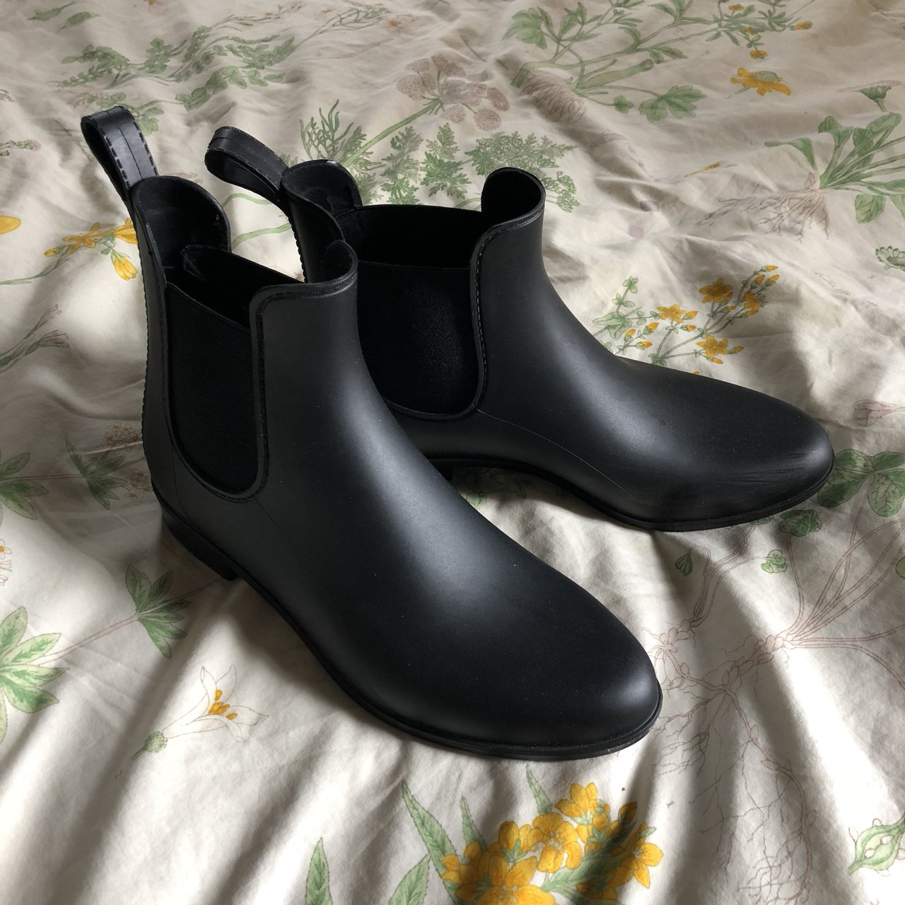 43bd748d897 Target A New Day Alex Ankle Rain Boots. Rubber Chelsea worn - Depop
