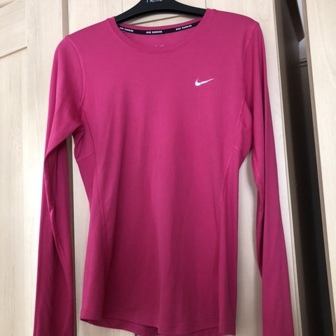 5f9f5467 @charsman. 21 days ago. Portsmouth, United Kingdom. Pink Nike long sleeve  top. Size Small ...