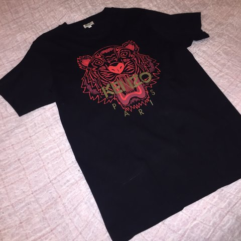 9c3d9ade @carysmapleson. 5 months ago. Northwich, United Kingdom. Men's small KENZO t-shirt.  Red tiger design with gold ...