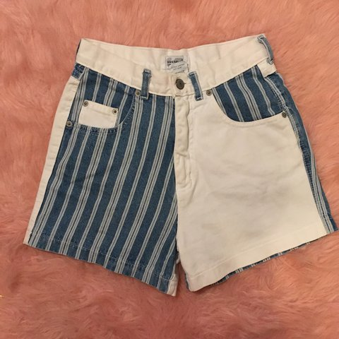 0845723d96 Super cute high waisted patterned Jean shorts. Perfect for 5 - Depop