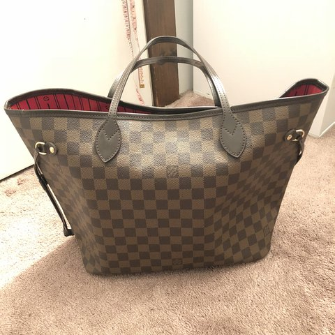 fb9ce67cd @xinn. last year. Red Hook, United States. Louis Vuitton neverfull tote mm