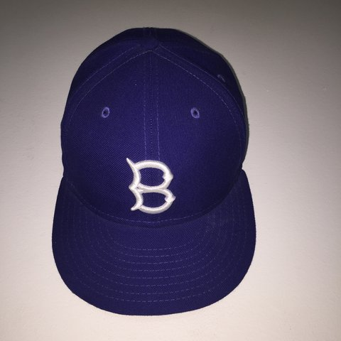 e78cb19d3be BROOKLYN DODGERS pro era fitted SIZE  7 1 4 Not  supreme - Depop