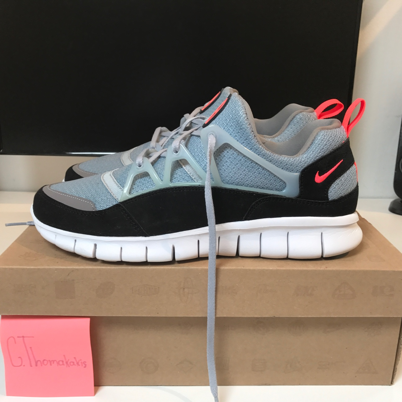 another chance new styles classic styles Nike Free Huarache Light 'WOLFGREY/INFRARED' cnd:... - Depop