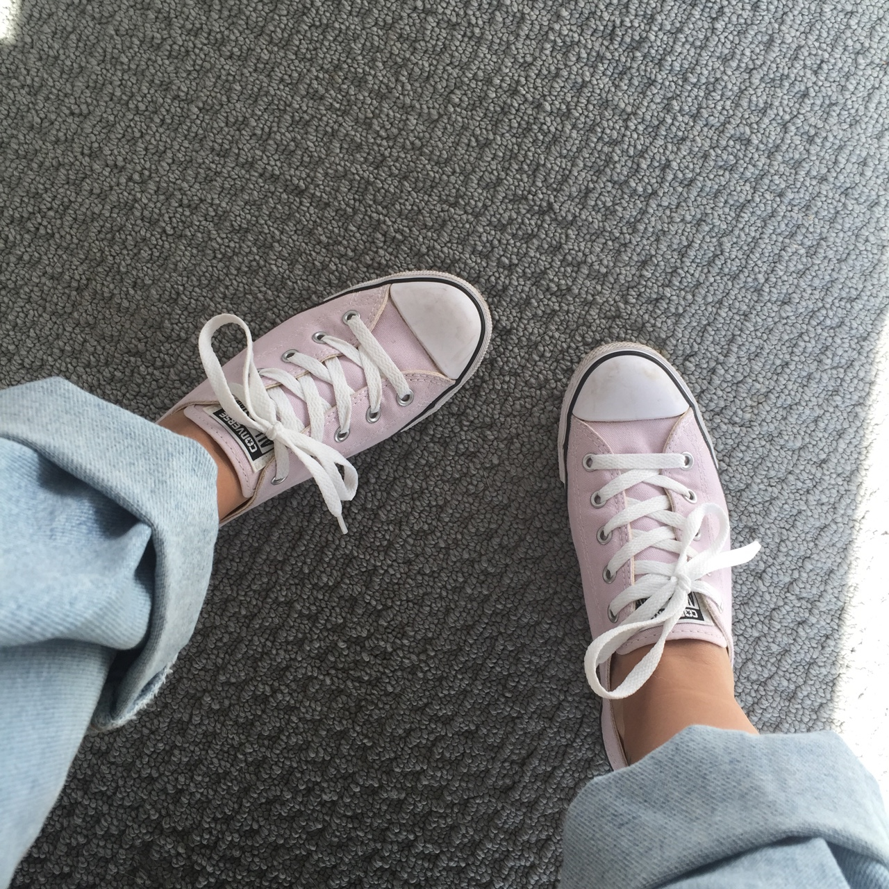 Price drop! Baby pink converse shoes