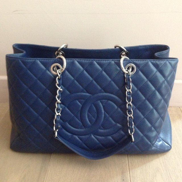 1fc150988632 @mylifeincolors_. 5 years ago. België. Authentic Chanel GST Grand Shopping  Tote ...
