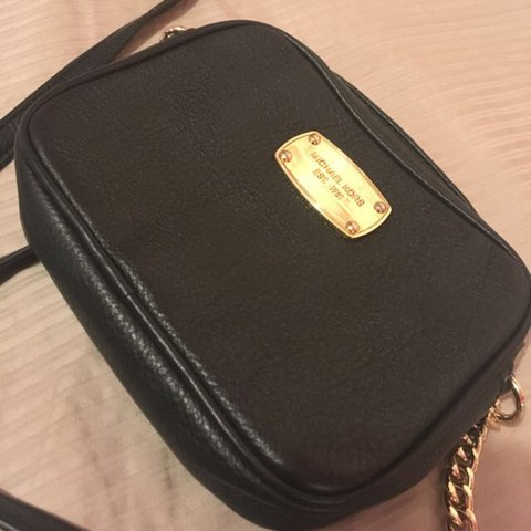 883af0080655 @forgottencloset. 2 years ago. Toronto, Canada. AUTHENTIC MICHAEL KORS SIDE  PURSE