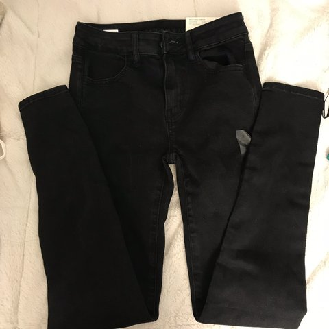cd8f1222f50 Black American eagle next level skinny jeans Size 2 Has a it - Depop