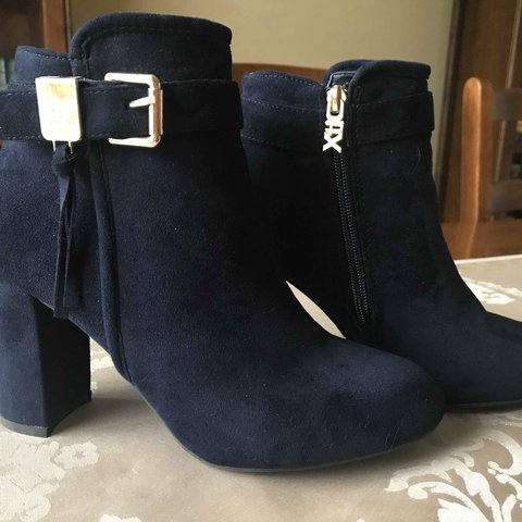 2484befb096 🤩Brand new🤩 navy suede Xti Tentations heeled boots with at - Depop