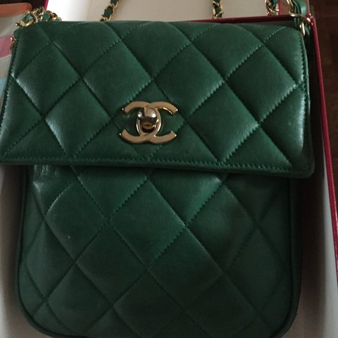 7438b4bbe933 @melisss333. 2 years ago. Toronto, Canada. Authentic vintage Chanel caviar  flap bag in emerald green ...