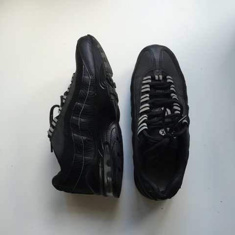 e7a378b27 ... promo code for nike air max 95 trainers u2022 size 4 u2022 good worn  condition to