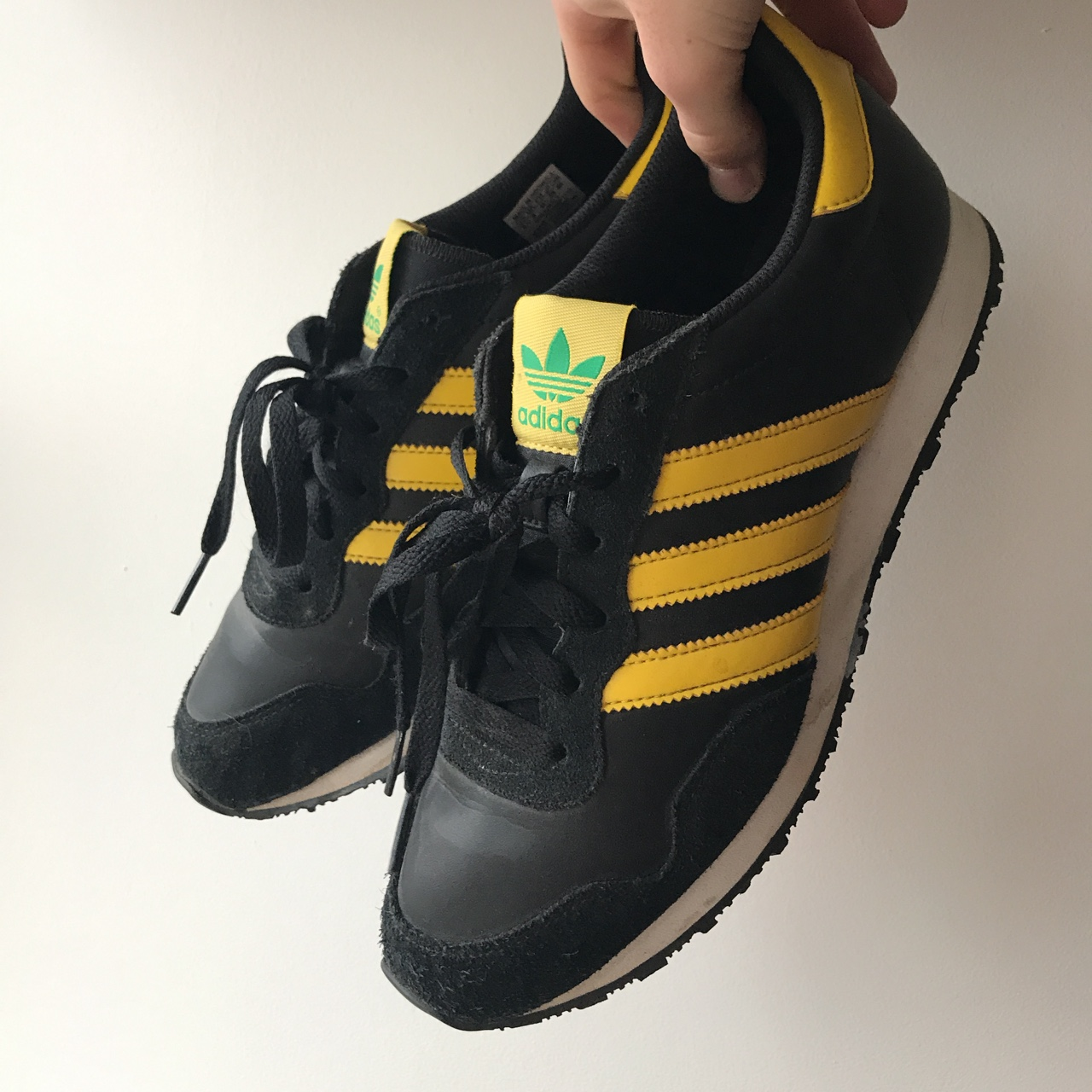 Old school style adidas trainers, Only worn a couple...