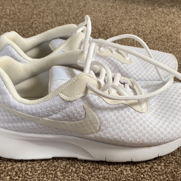 Nike trainers Junior size 5 Suitable