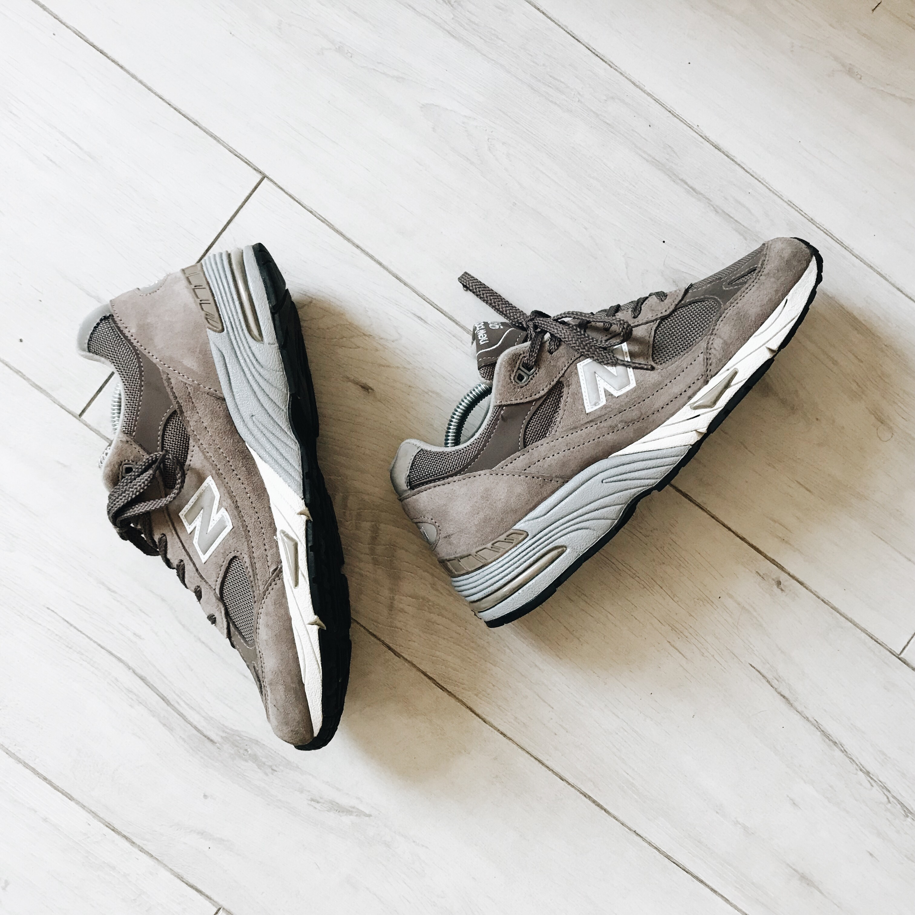 New Balance 991 cappuccino, grey and