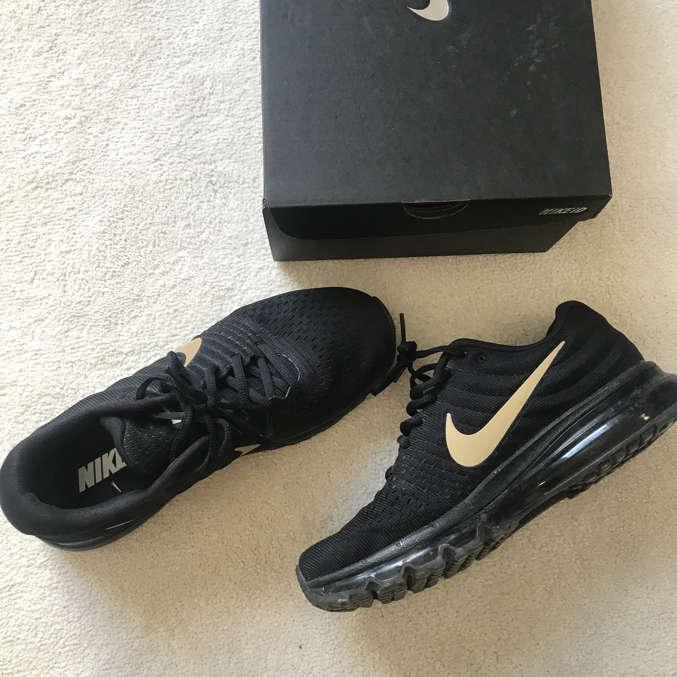 sports shoes f0348 84eda Nike air max 2017 edition ⚫️🔶 Gold tick - all black ...