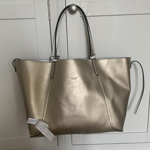 059e879aa71 @ellisjay1. 18 days ago. Sheffield, United Kingdom. Zara reversible beach  tote bag brand new with tags ...