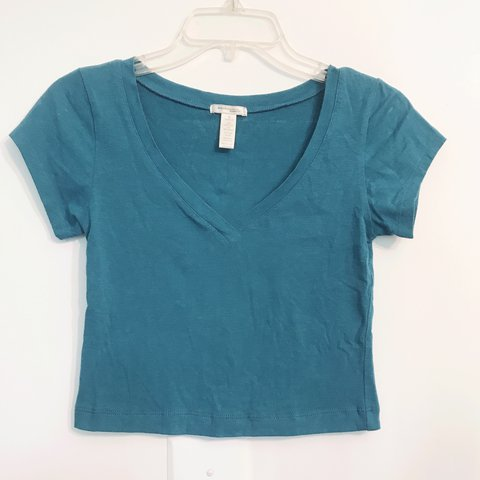 ede9c406c9b6 Turquoise and deep red v neck crop tops. Both size small