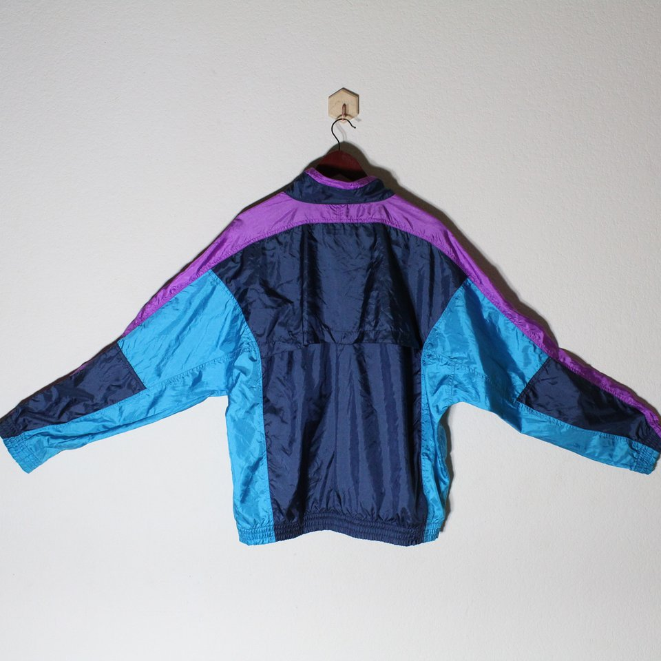 vintage nike wind breaker jacket with zipper pixie fuzz