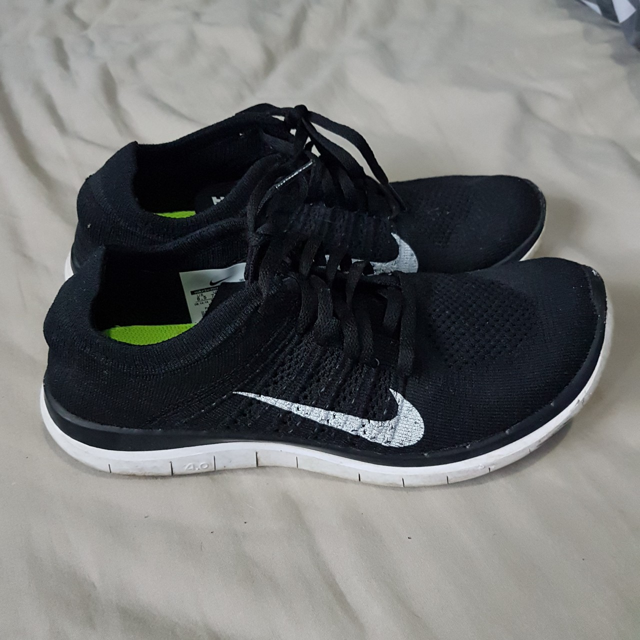 meilleur service 61b11 5145c Nike free run 4.0 flyknit black Light weight... - Depop
