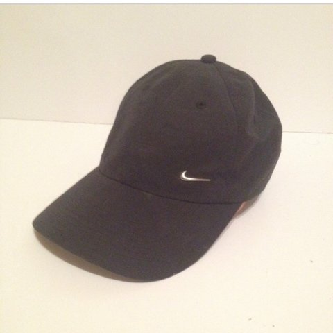 2caaca5b7162f Nike cap with adjustable strap