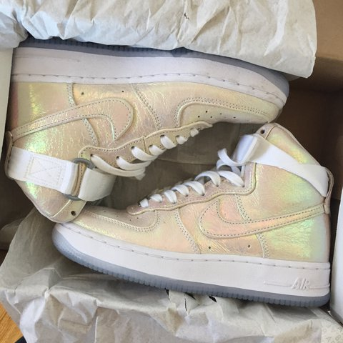 daf5e5abefa AUTHENTIC WMNS NIKE AIR FORCE 1 HI PREMIUM QUICKSTRIKE PEARL - Depop