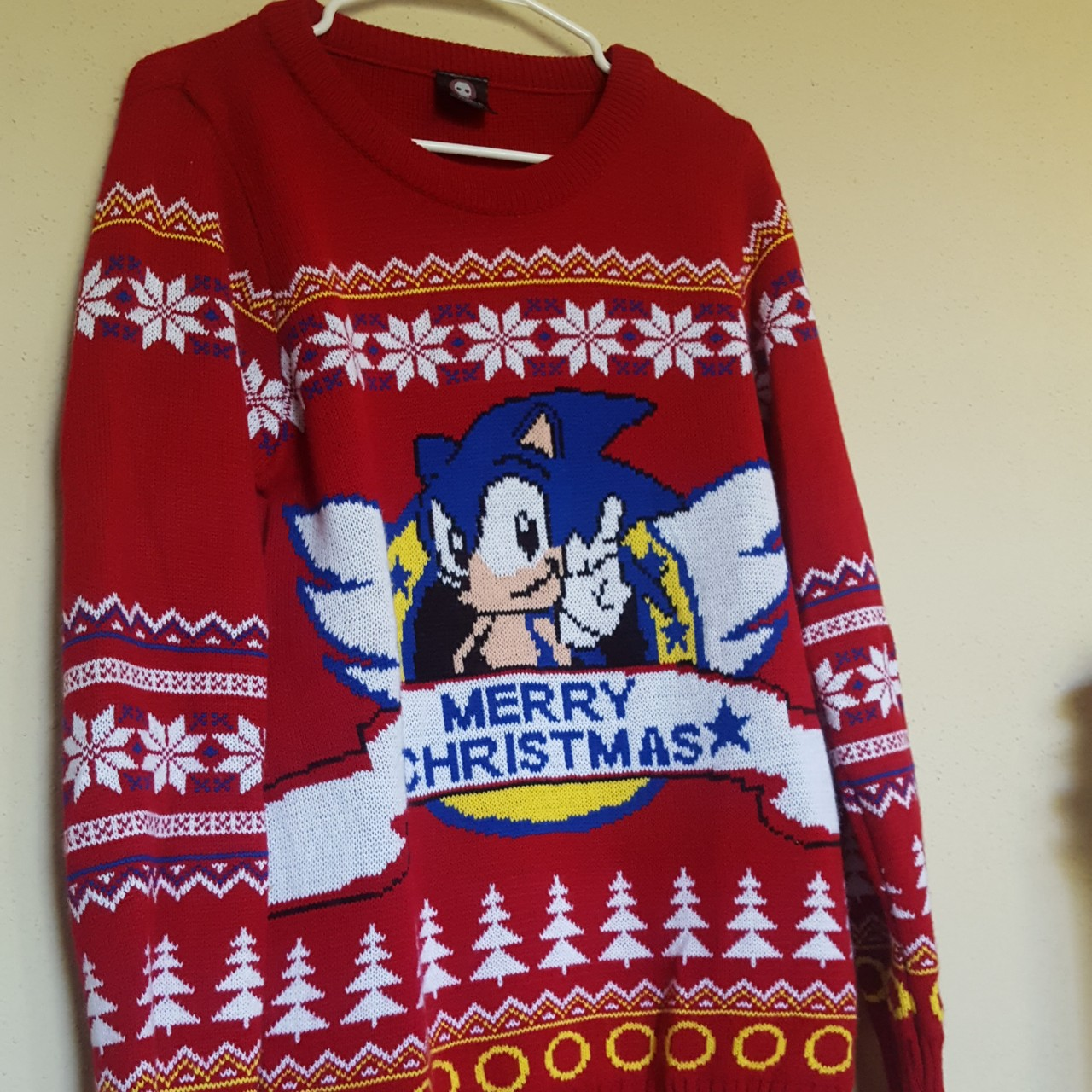 Hedgehog Christmas Sweater.Sonic The Hedgehog Christmas Sweater Size Large Only