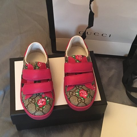 8d214e02dd3 Reduced due to time wasters Gucci Bloom Infant shoes size 7 - Depop