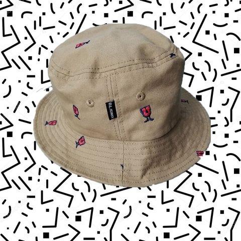 ae435ee35b203 🧢UNDEFEATED Bucket hat Fits head size L XL (if you have a - Depop