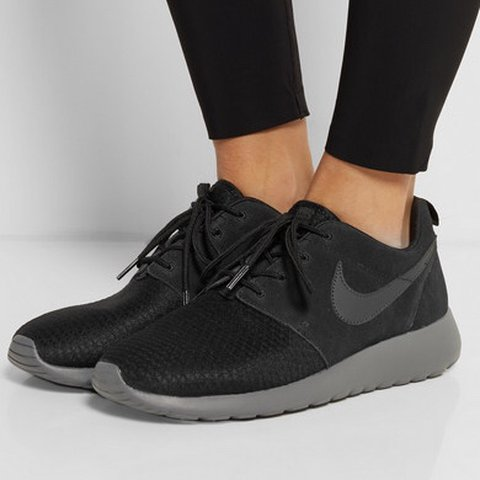 a33f475a6126f Nike Roshe Run Winter trainers in black   grey. Very rare.   - Depop