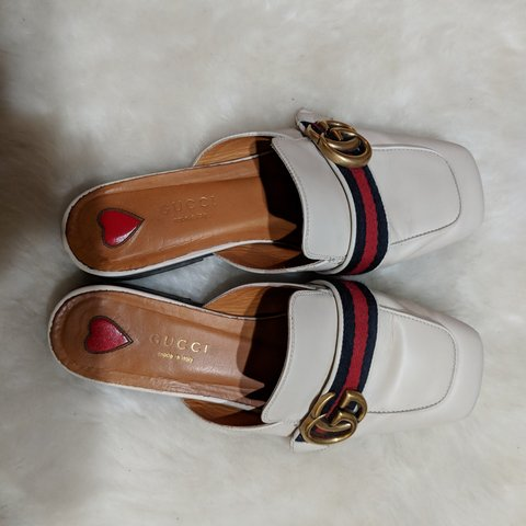 cc9978d8048caa Authentic GUCCI loafer slides, white, us5/euro 35, with shoe - Depop