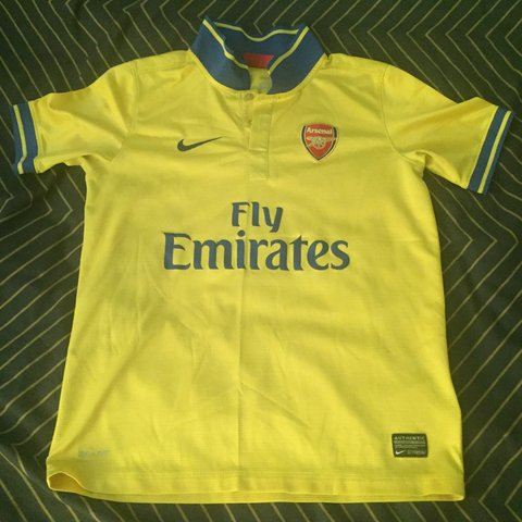 f0e82f8d6 Arsenal away jersey 13-14 - Worn a few times out - Size I - Depop