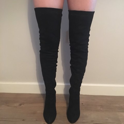 40b070e014c ASOS size 4 black thigh high boots 🍑 Perfect teamed with a - Depop