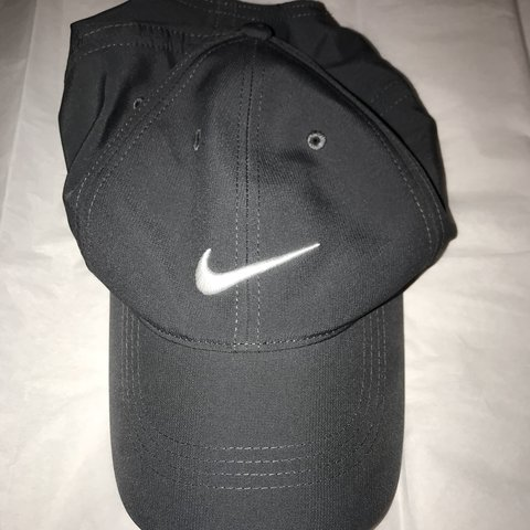 5e3ac108d952e ... sweden u2014u2014price dropu2014u2014 nike hat it says its a golf hat  but i it depop 83d88