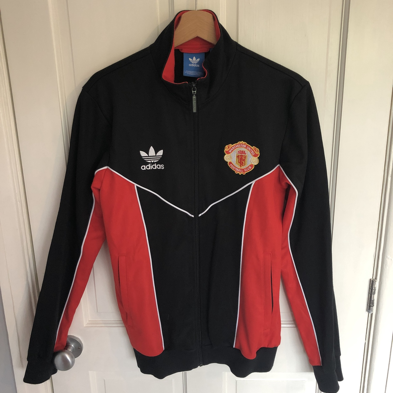 sports shoes 32e7f f35ea Retro Manchester United tracksuit top, worn once... - Depop