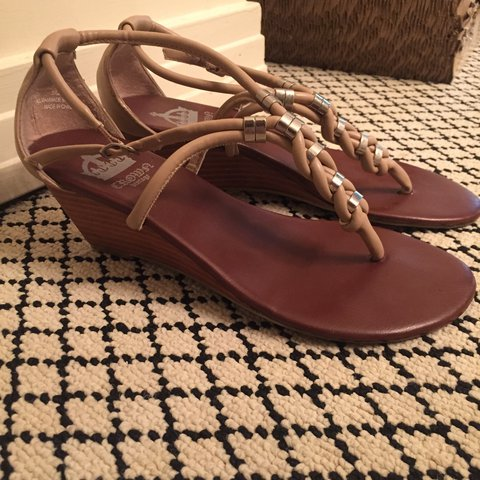 d254b15a66e Crown Vintage shoes. They re barely worn and in great The is - Depop